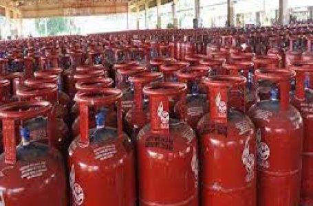 अब दिल्ली में गैस सिलेंडर हुए सस्ते