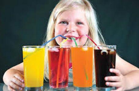 बच्चा पीता है सॉफ्ट ड्रिंक तो जान लें यह बात, नहीं तो उठाना पड़ सकती है बड़ी परेशानी