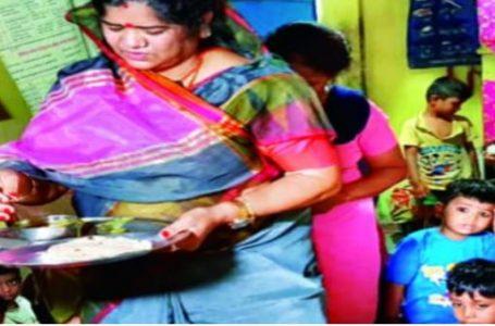भोपाल- मिलावटखोर प्रदेश मे मंत्रियो पर भी हावी दाल बताकर मंत्री इमरती देवी को खिला दिया सुबह का दलिया।