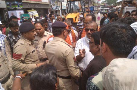 BHILAI NEWS : भिलाई में भारी विरोध के बीच हटाया अतिक्रमण