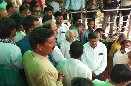श्योपुर में 'गो बैक' स्मेक को लेकर सड़क पर उतरे लोग, सौंपा ज्ञापन