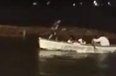 भोपाल -गणेश विसर्जन के दौरान दो नाव पलटने से 13 युवको  की मौत, जान जाने का लाइव वीडियो देखे