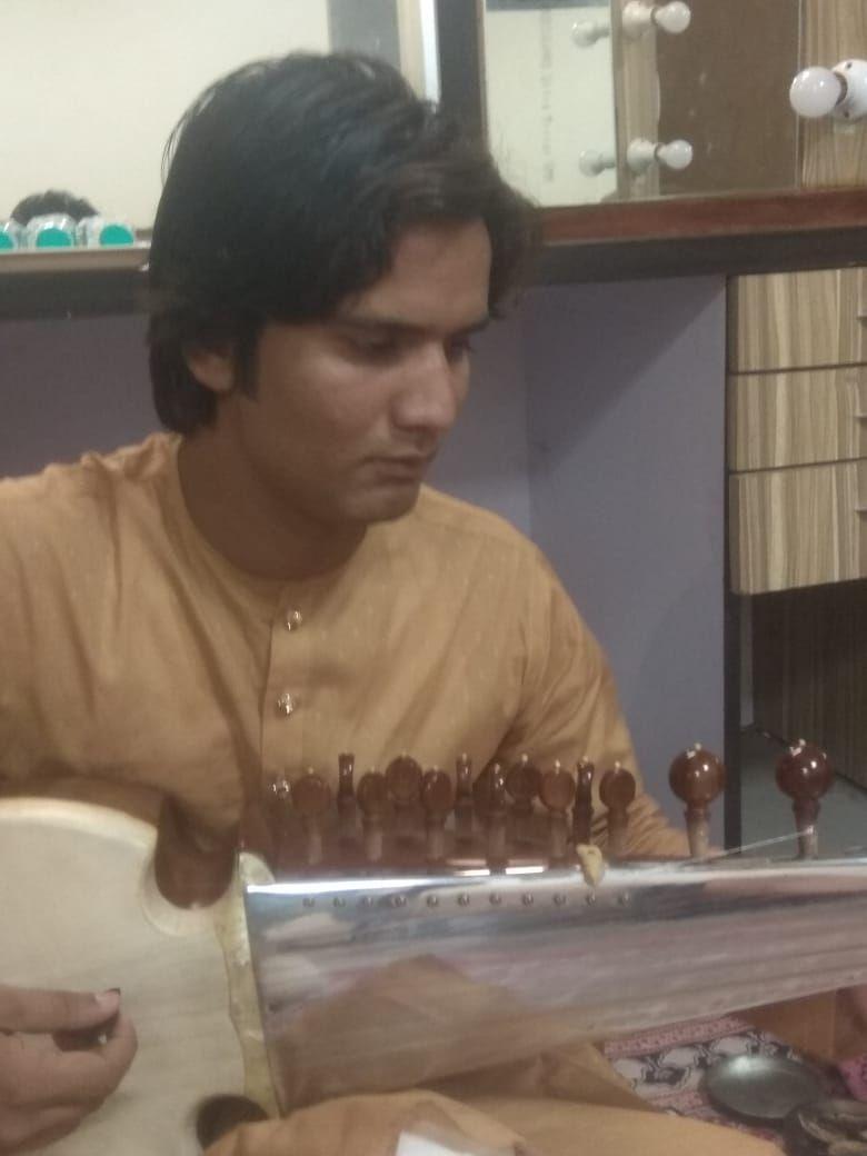 सरोद वादक आमिर खान