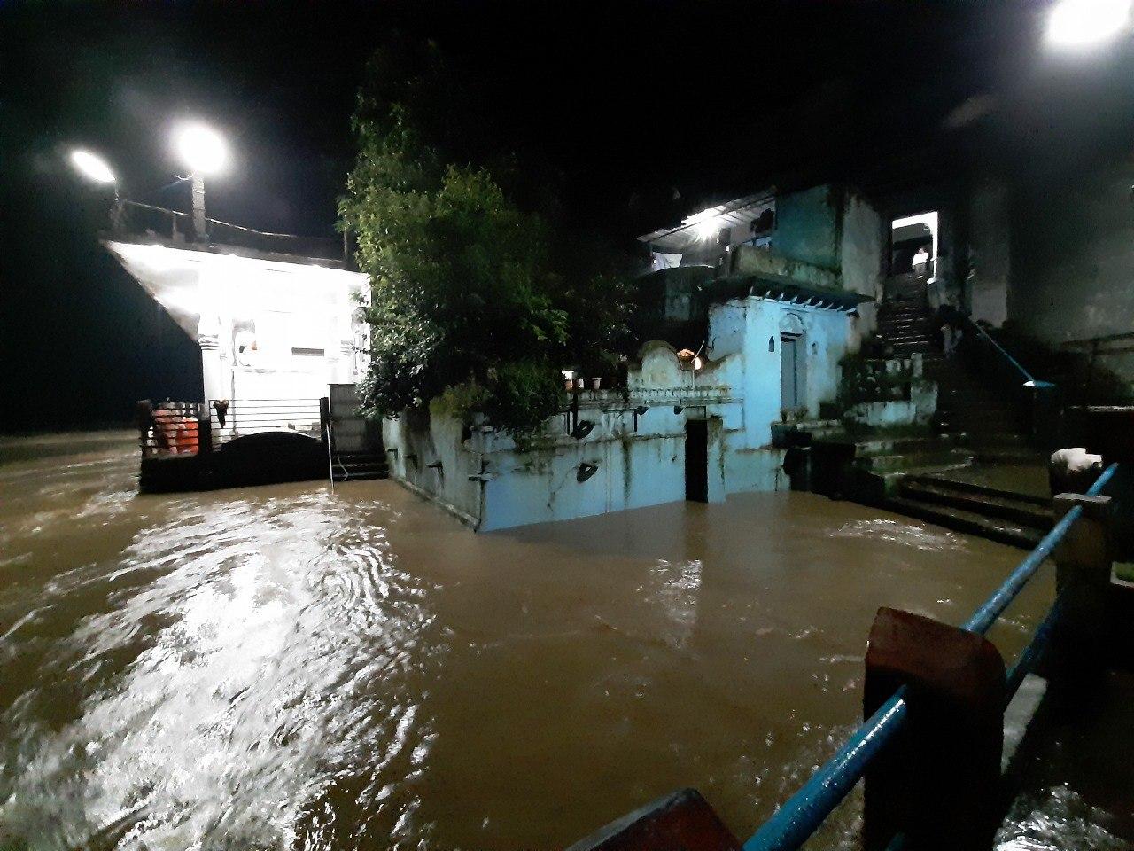 Narmada rises above danger mark in Hoshangabad, Baj siren, four dozen villages flooded