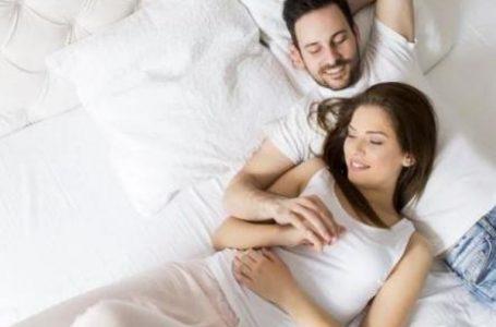 रिश्ते में रहने के बावजूद भी क्या आपका मन भटकता है, जानें इसके पीछे का कारण