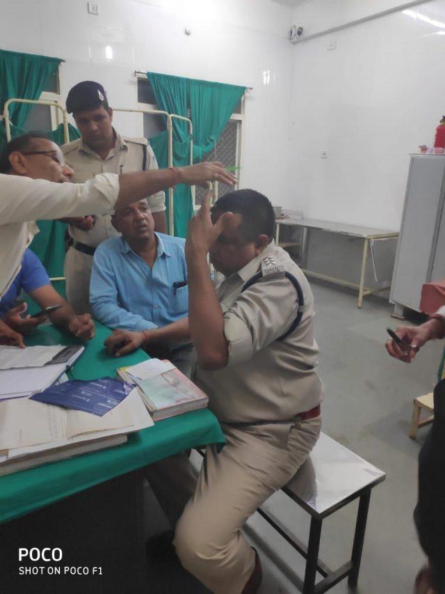 सारंगपुर में पुलिस पर हमला...पडाना में दो पक्षों का विवाद सुलझाने गई पुलिस टीम पर हमला, एसडीओपी घायल