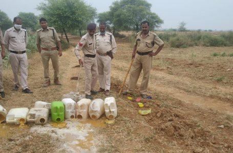 श्योपुर- अवैध मदिरा के खिलाफ आबकारी विभाग श्योपुर द्वारा ग्राम हलगावड़ा में दी दबिश